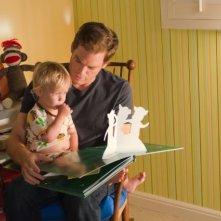Michael C. Hall col piccolo Harrison nell'episodio Once Upon a Time della sesta stagione di Dexter