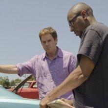 Michael C. Hall e Mos Def nell'episodio Once Upon a Time della sesta stagione di Dexter