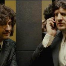 Alessandro Siani con Fabio De Luigi in una scena di La peggior settimana della mia vita
