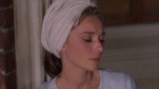 Audrey Hepburn in un bellissimo primo piano tratto da Colazione da Tiffany