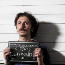 I primi della lista: Paolo Cioni nei panni di Fabio Gismondi in una scena del film