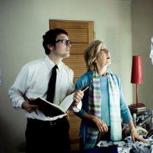Insidious: Leigh Whannell e Lin Shaye in una scena del film