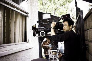 James Wan dietro la macchina da presa sul set di Insidious