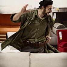 Missione di pace: Filippo Timi in una scena del film