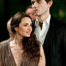 The Twilight Saga: Breaking Dawn - Parte 1, Mía Maestro e Christian Camargo in una scena del film
