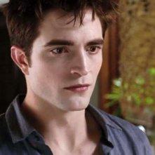 Un primo piano di Robert Pattinson tratto da The Twilight Saga: Breaking Dawn - Parte 1