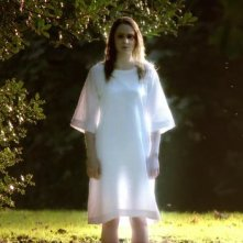 I fantasmi di Bedlam, prima stagione, episodio Hide and Seek: una presenza spettrale si manifesta nei giardini di Bedlam