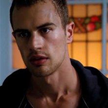 I fantasmi di Bedlam: Theo James interpreta Jed. Una sequenza della prima stagione