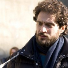 Claudio Santamaria è Pino Masi sul set de I primi della lista