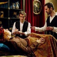 Hysteria: Sheridan Smith con Hugh Dancy e Rupert Everett in una scena del film