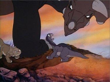 Piedino e Cera in una scena del film d'animazione Alla ricerca della valle incantata