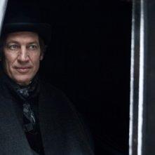Tobias Moretti in una scena del film tv Violetta