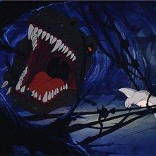 Una scena d'azione del film d'animazione Alla ricerca della valle incantata