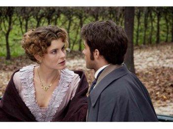 Vittoria Puccini e Rodrigo Guirao Dìaz in una scena del film tv Violetta