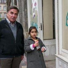 Mercan Türkoglu in Dreiviertelmond con Elmar Wepper