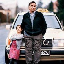 Mercan Türkoglu nel film Dreiviertelmond con Elmar Wepper
