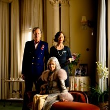 Geoffrey Rush, Charlotte Rampling e Judy Davis in una foto di famiglia tratta da The eye of the storm
