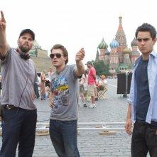Il regista del film Chris Gorak insieme a Emile Hirsch e Max Minghella sul set de L'ora nera 3D