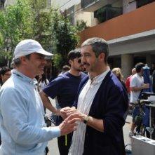 Il regista Sebastián Borensztein insieme a Ricardo Darin sul set de Un cuento chino