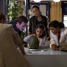 Terra Nova: Jason O'Mara, Alana Mansour, Shelley Conn e Simone Kessell nell'episodio Bylaw