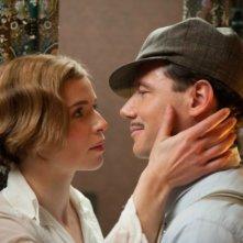 Thekla Reuten e Michael Herbig in una scena di Hotel Lux