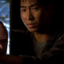 Chris Pang in una scena del film The Tomorrow Series: il domani che verrà