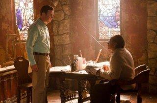 Edward James Olmos e Colin Hanks nell'episodio Smokey and the Bandit
