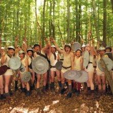 Il cast di giovani gladiatori sul set del film La nouvelle guerre des boutons
