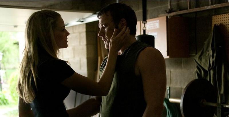 Jennifer Morrison Insieme A Joel Edgerton In Una Scena Del Film Warrior 219065