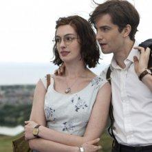 Jim Sturgess e Anne Hathaway nei panni di Dexter e Emma nel romantico One Day