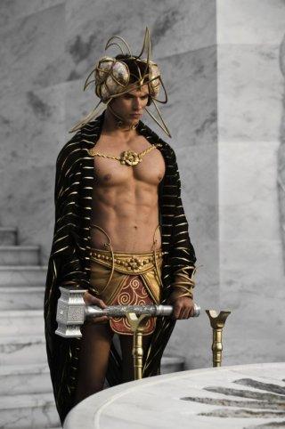 Kellan Lutz nel ruolo di Poseidone in una scena del film epico Immortals 3D