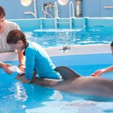 L'incredibile storia di Winter il delfino: Harry Connick jr. insieme a Austin Highsmith e Betsy Landin