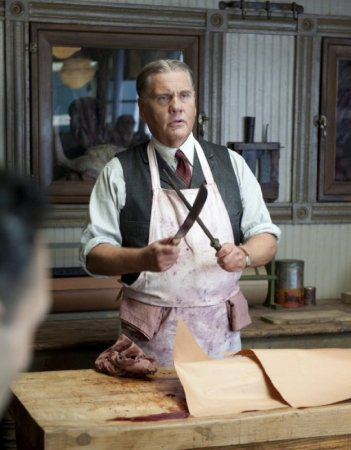 William Forsythe in una scena dell'episodio What Does the Bee Do? di Boardwalk Empire
