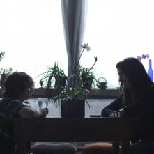 Gabriel del Castillo Mullally insieme a Natasha Allan in una scena del film drammatico Amy George