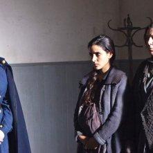 Inma Cuesta (al centro) in una scena de La voz dormida