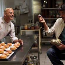 Lezioni di cioccolato 2: Hassani Shapi e Luca Argentero in cucina con i bomboloni ripieni
