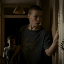 Will Poulter in una scena di Wild Bill insieme a Sammy Williams