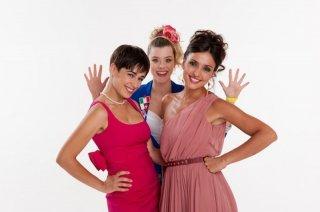 Diane Fleri, Sascha Zacharias e Ambra Angiolini in una foto promozionale di Anche se è amore non si vede