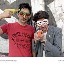 Francesco Mandelli e Fabrizio Biggio in una foto promozionale de I soliti idioti