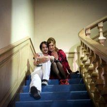 Marco Foschi insieme ad Elisabetta De Palo sul set del film I soliti idioti
