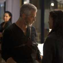 Terra Nova: Stephen Lang e Shelley Conn nell'episodio The Runaway
