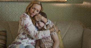Toni Collette insieme a Jason Spevack in una scena del film Jesus Henry Christ