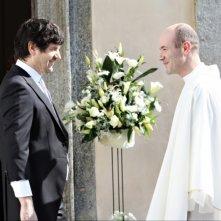 Fabio De Luigi insieme al regista Alessandro Genovesi in una scena del film La peggior settimana della mia vita