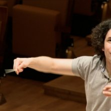 Gustavo Dudamel in un'immagine del documentario Dudamel: Let the Children Play