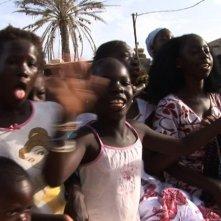 African Women: in viaggio per il Nobel della pace, giovani donne africane crescono