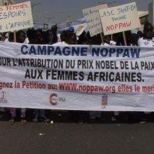 African Women: in viaggio per il Nobel della pace, una scena del documentario di Stefano Scialotti