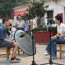 Dead men talking, la giornalista Ding Yu mentre parla con un prigioniero condannato a morte poco prima dell'esecuzione