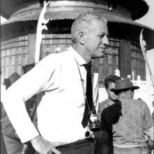 Hollywood Bruciata - Ritratto di Nicholas Ray: Nicholas Ray sul set di 55 giorni a Pechino, 1962