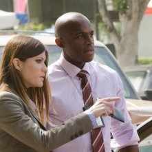 Billy Brown e Jennifer Carpenter in una scena dell'episodio A horse of a different color