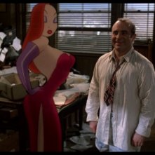 Bob Hoskins con Jessica Rabbit in Chi ha incastrato Roger Rabbit?
